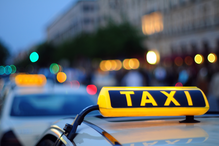 С 09 апреля 2020 года меняется порядок подачи заявлений на выдачу разрешений на осуществление деятельности по перевозке пассажиров и багажа легковым такси